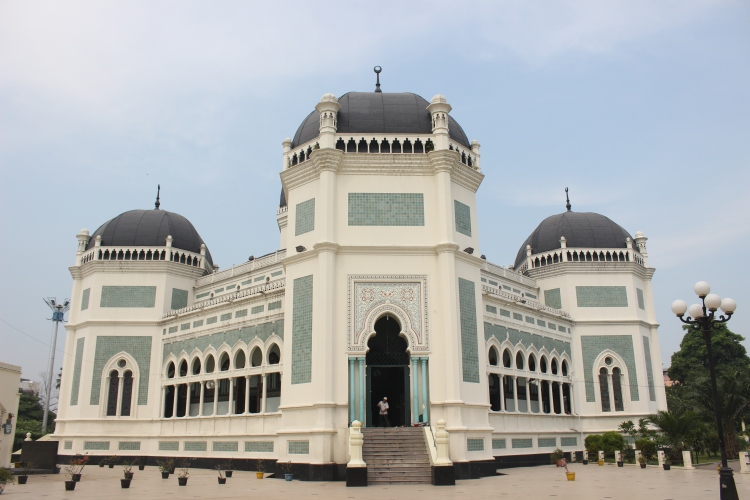 Masjid Deli, Medan sesaat sebelum Shalat Jumat