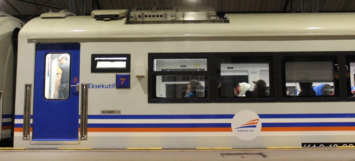 Sensasi Pertama Kali Naik Kereta Kelas Wahid!