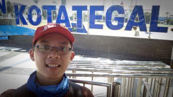 Selfie di depan Alun-alun Tegal