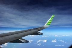 Langit biru sepanjang penerbangan