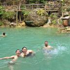 Air Terjun Kembang Soka: Sensasi Segarnya Mandi di Air Kapur