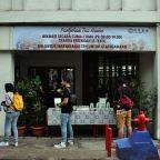 Tradisi Patekoan: Yang Gratis di Tengah Jakarta yang Serba Berbayar