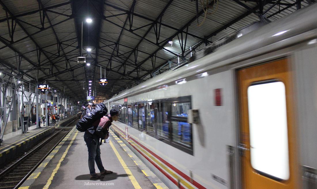 Menjajal Ka Jayakarta Premium Kereta Ekonomi Rasa Eksekutif