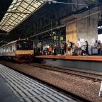 Menjajal Rute KRL Terpanjang di Indonesia
