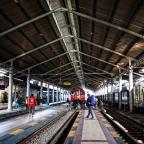 Photo Story: Sebuah Perjalanan ke Stasiun Balapan