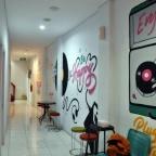 Menginap di Hotel Kabin: Yang Sempit, Yang Diminati